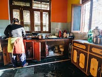 Volunteer kitchen in Dharamsala, India with IVHQ