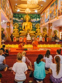 IVHQ volunteers visit Vipassana Temple, Laos during the weekend