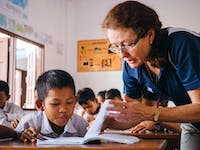 Senior IVHQ volunteer teacher in Laos