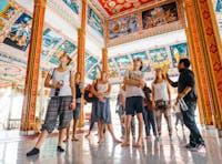 IVHQ volunteers explore Vientiane temples in Laos during the weekend