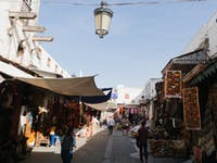 IVHQ volunteers explore markets in Morocco