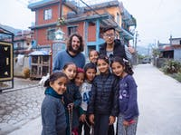 Group of IVHQ volunteers in Nepal
