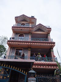 Pohkara Nepal volunteer house exterior
