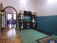 Pohkara Nepal volunteer living room