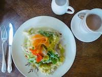 Volunteer breakfast in New Zealand with IVHQ