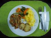 IVHQ volunteer dinner in Lima
