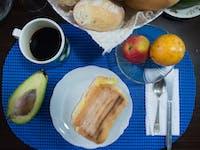 IVHQ volunteer breakfast in Lima