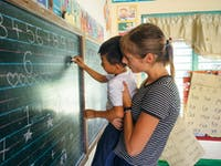 Volunteer teaching in the Philippines with IVHQ