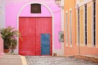 IVHQ volunteers exploring San Juan's Colorful buildings during an IVHQ weekend