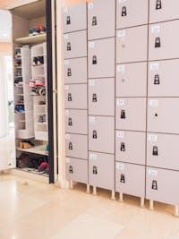 Volunteer house lockers in Spain with IVHQ