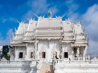 Visit White Temple in Chiang Rai during an IVHQ weekend