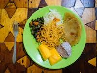 IVHQ Volunteer Dinner in Uganda
