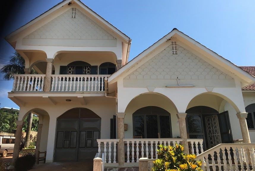 Volunteer accommodation in Uganda