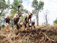 Conservation volunteers in Victoria Falls with IVHQ