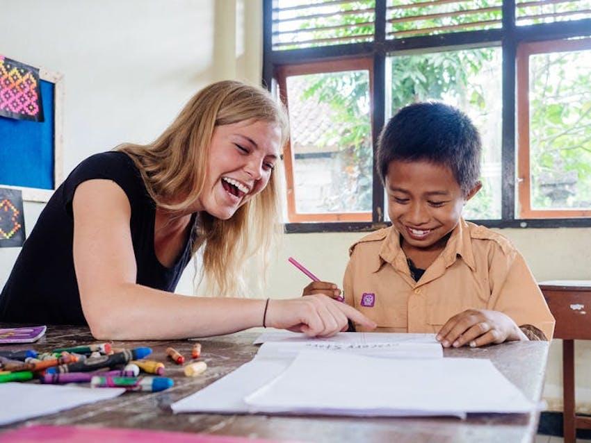 Missions humanitaires à l'étranger con IVHQ