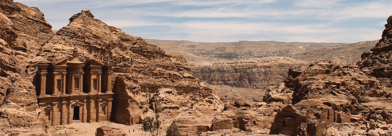 Volunteer in the Middle East