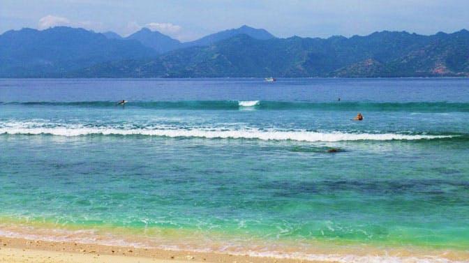 Visit the beaches in Bali as an IVHQ volunteer