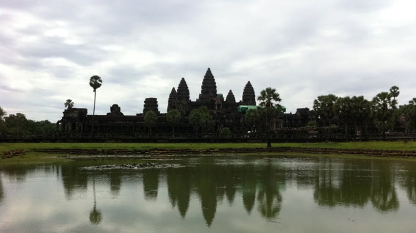 Visit the temples of Angkor Wat during an IVHQ weekend
