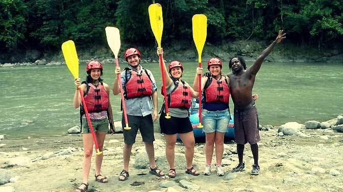 Go White Water Rafting as an IVHQ volunteer in Costa Rica