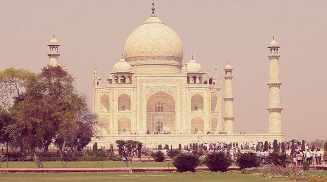 Visit the Taj Mahal while volunteering with IVHQ in India