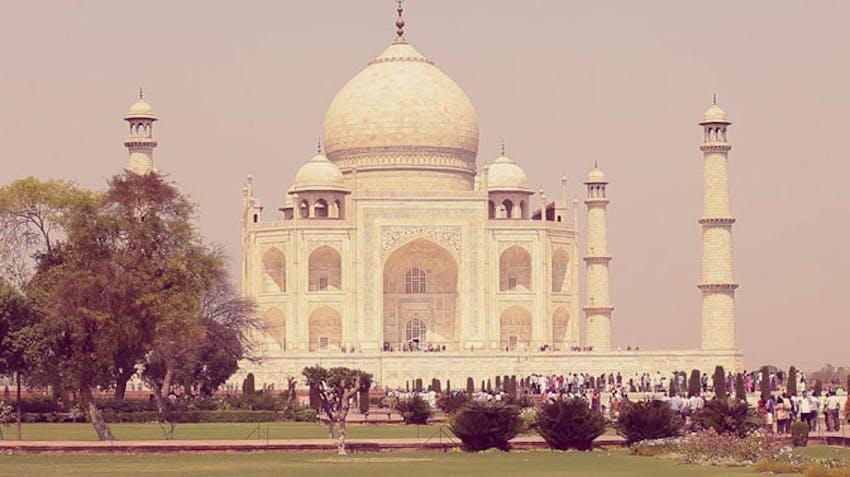 Visit the Taj Mahal as an IVHQ volunteer in India