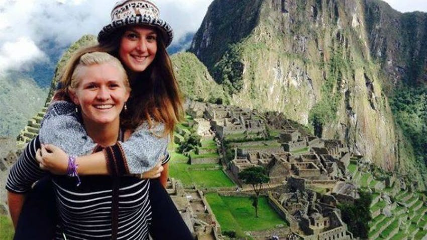 High school volunteers visit Machu Picchu with IVHQ