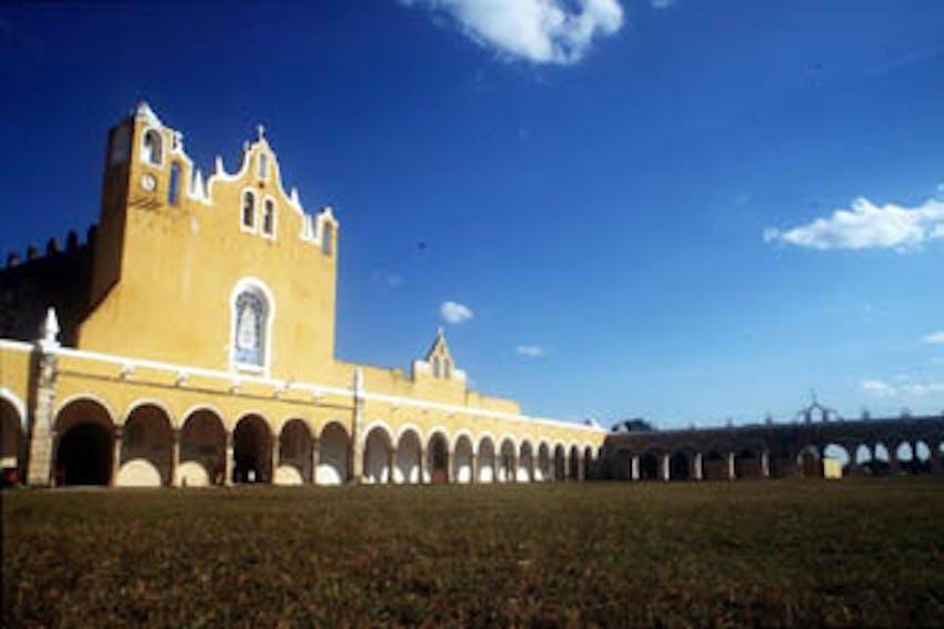 Visit Izamal as an IVHQ volunteer in Mexico