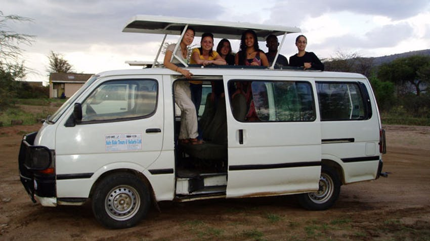 IVHQ volunteers on Safari in South Africa