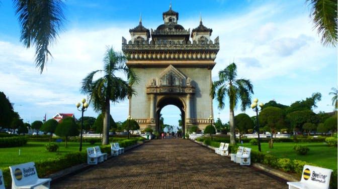 Visiting Patuxay Park in Laos as an IVHQ volunteer