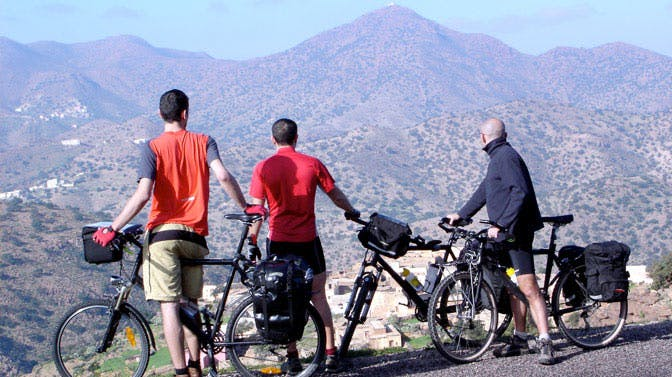 Going on a cycling tour through Marrakech with IVHQ