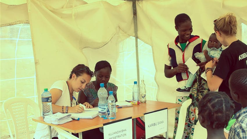 IVHQ Medical electives in Kenya, volunteer with IVHQ
