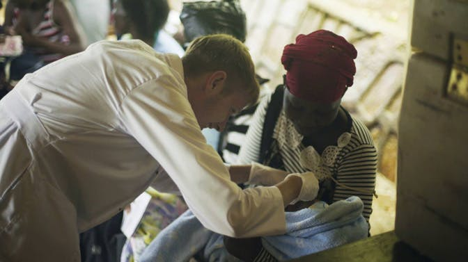 Medical volunteer in Uganda with IVHQ