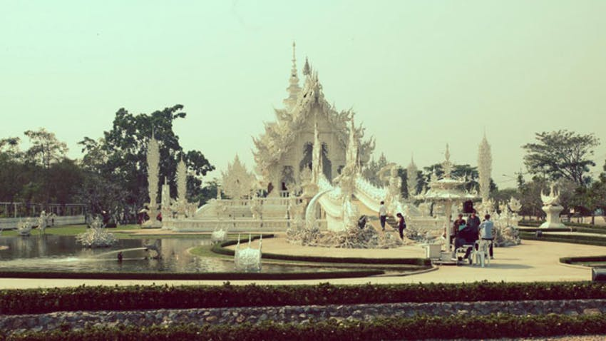 Visiting Thai temples as an IVHQ volunteer in Thailand