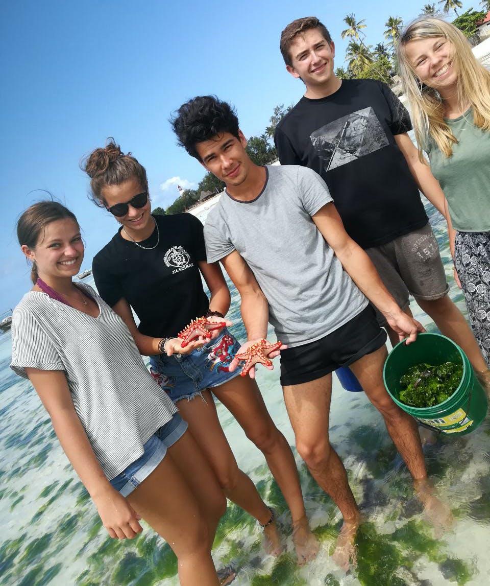 Teen & High School Volunteer Abroad