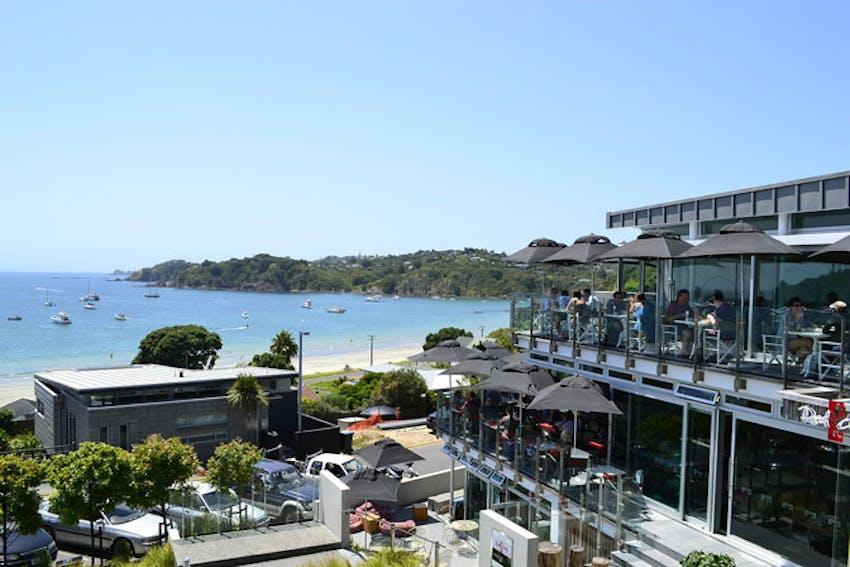 Visiting Waiheke Island as an IVHQ volunteer in New Zealand