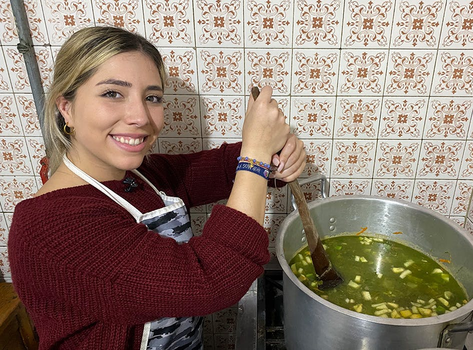 Feed the Homeless Volunteer Project in Colombia - Bogota