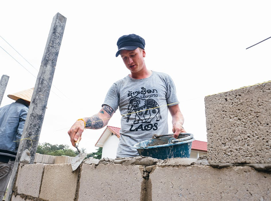 Construction and Renovation Volunteer Project in Laos - Honkau